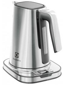Чайник Electrolux EEWA 7800