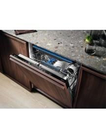 Встраиваемая посудомоечная машина Electrolux EEM48321L